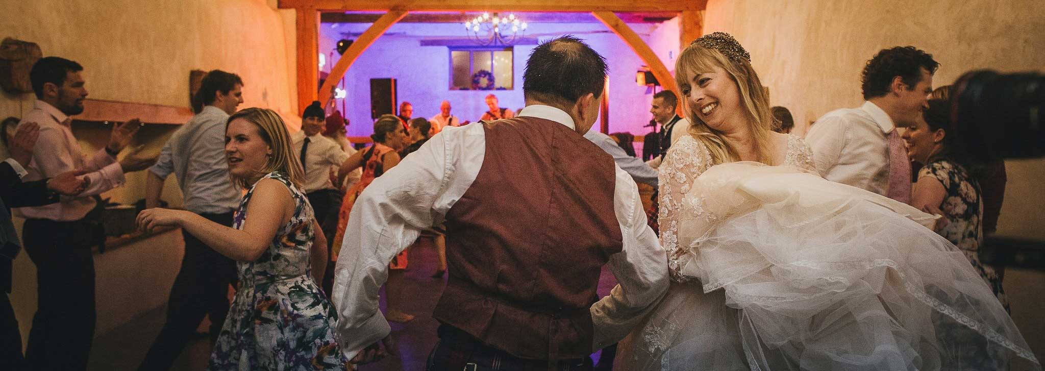 barn-dance-weddings